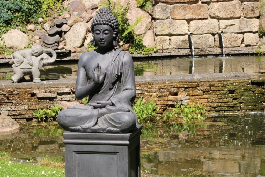 boeddha beeld gerechtigheid