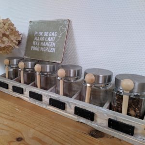 kruidenpotjes by www.thuisindetuin.nl
